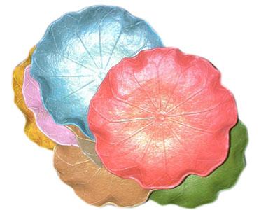 Saw dust lotus shape plate