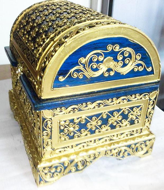 Lacquer Wood Treasure Box 2134-2-1