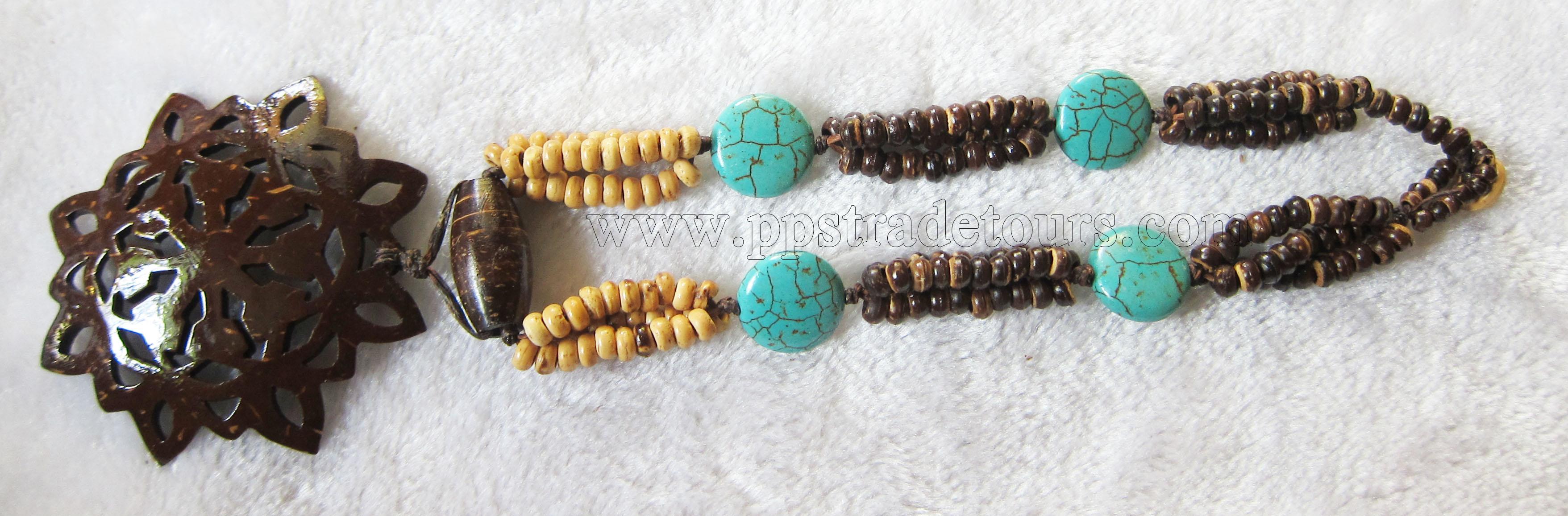 Coconut bead necklace_2636