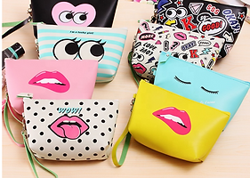 Ladies Makeup Pouch.png
