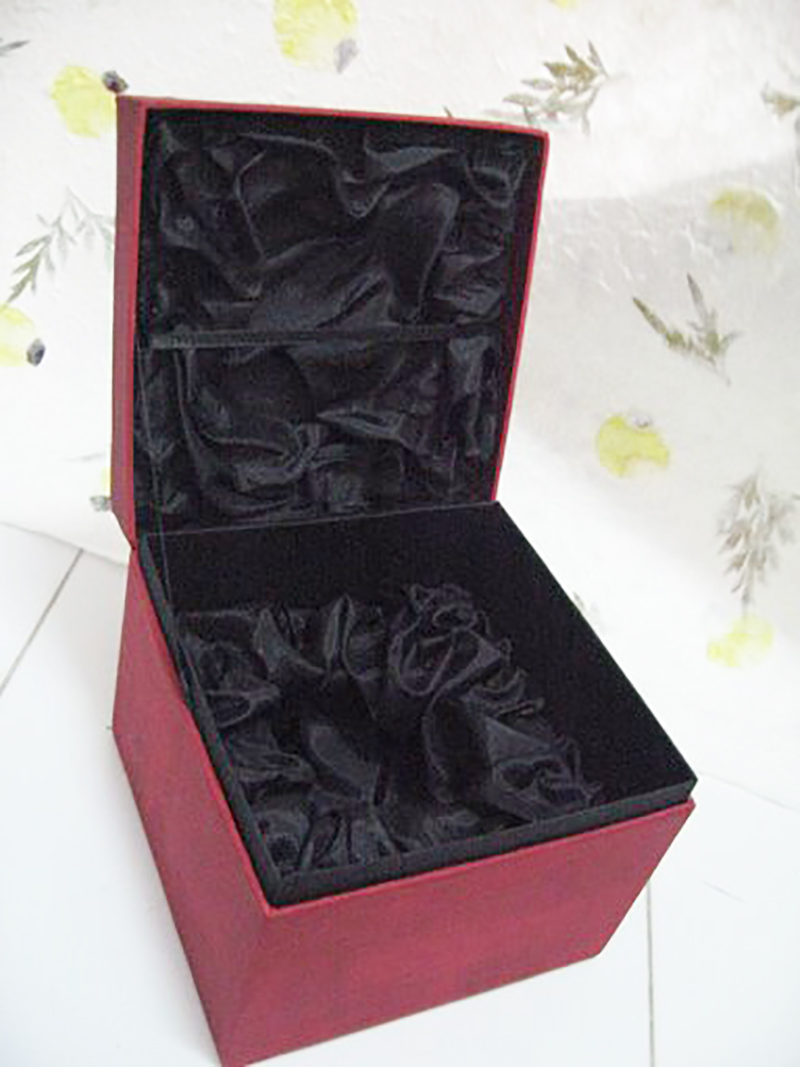 Interior Silk Box_2137