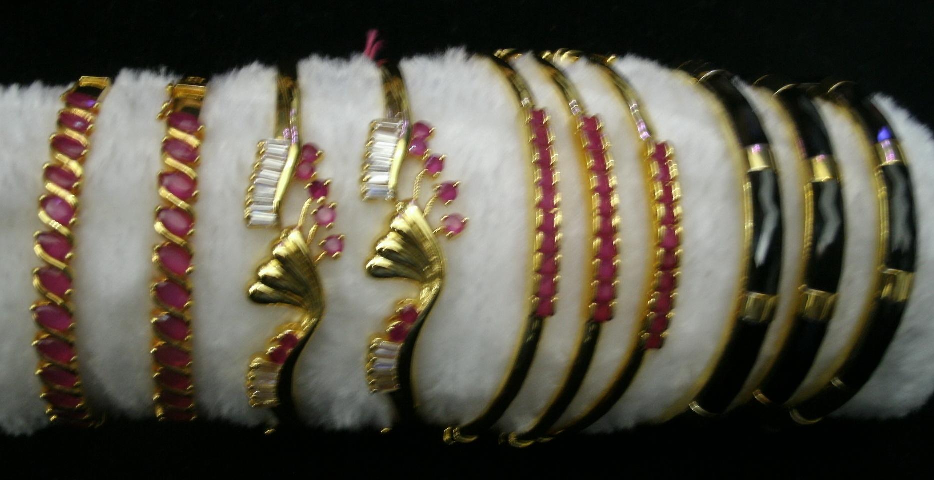 Bracelace3042