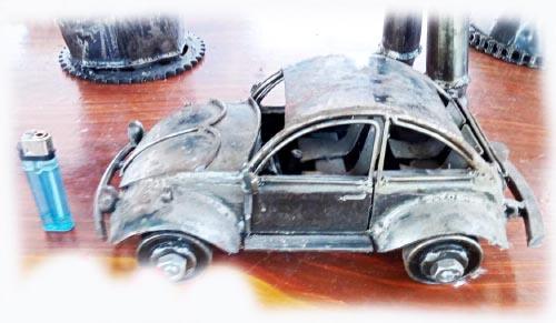 Recycle Metal Robot-car volk