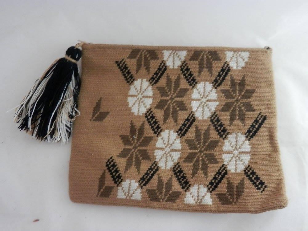 Wayuu Clutch by PPS-IMG_1031