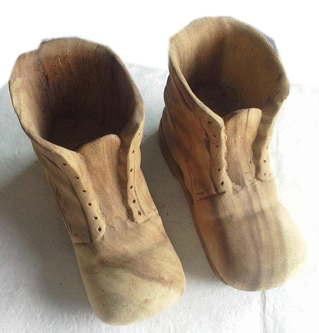 Wood shoe shape vases
