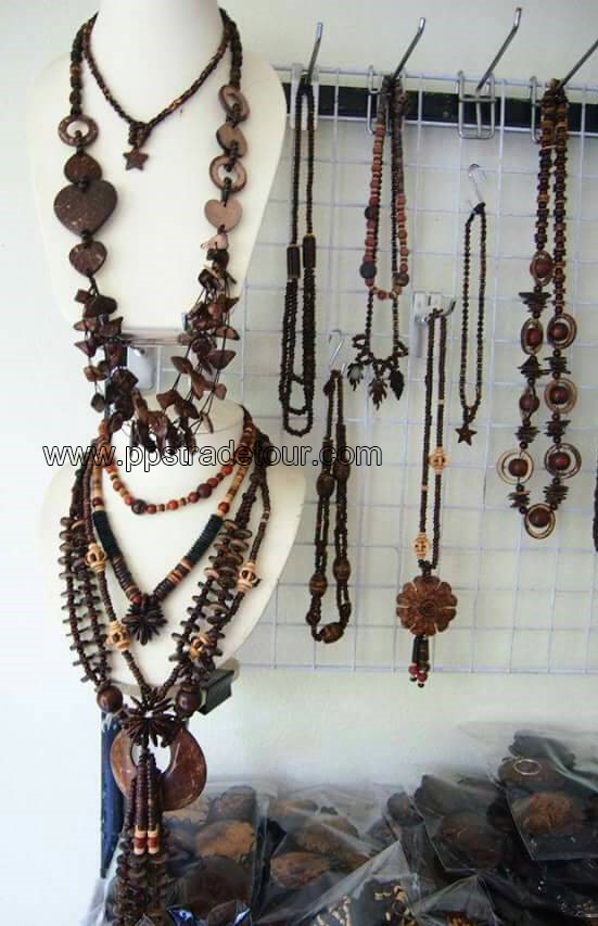 coconut shell bead necklace-5847