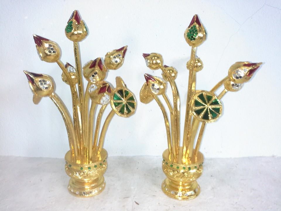 Gold lotus