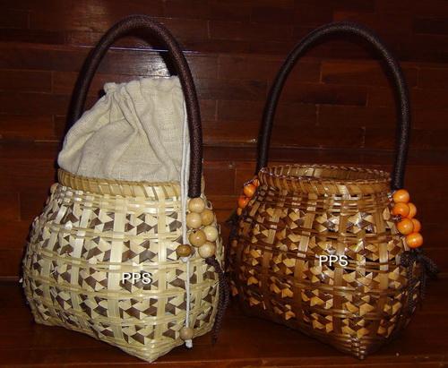 Bamboo and palm leave handbag