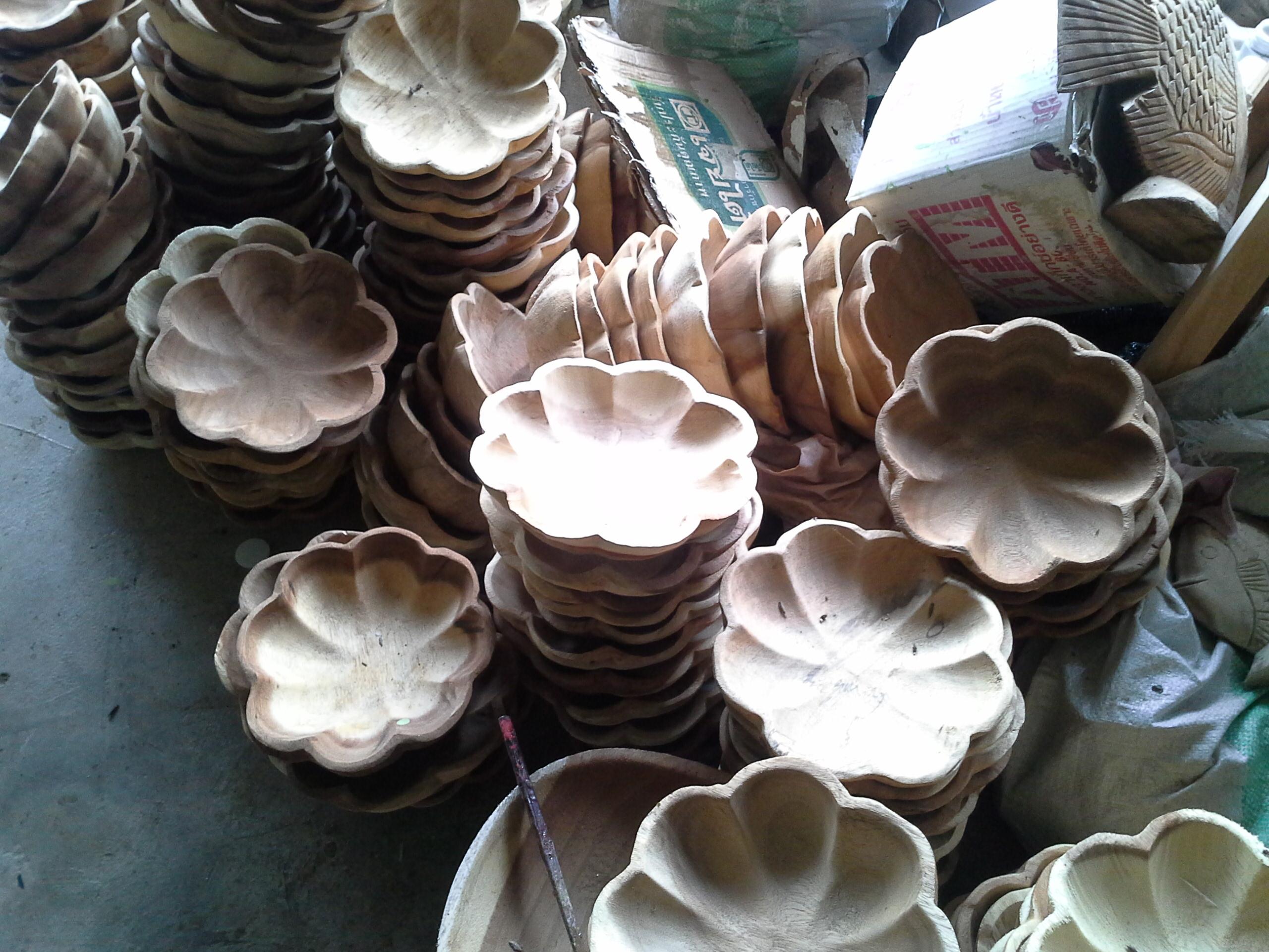 wood flower shape plate