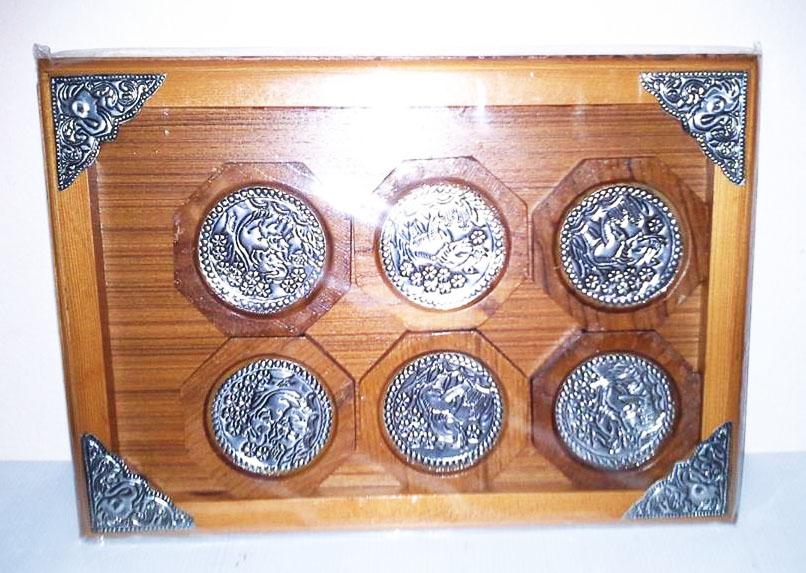 Wood saucers4470502