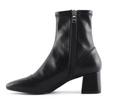 Lace-up luxury lady chunky high heel