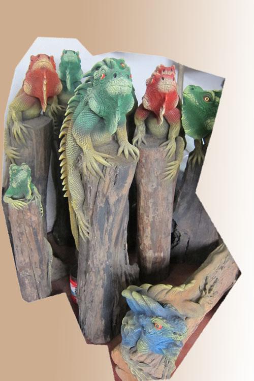 Iguana figurine