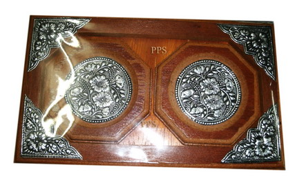 Wood saucers with tray
