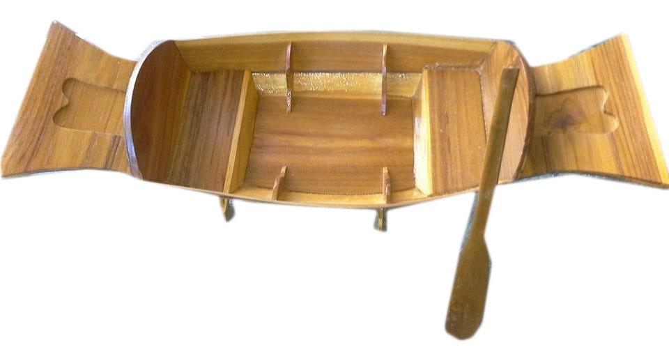 Boat shape wood plate