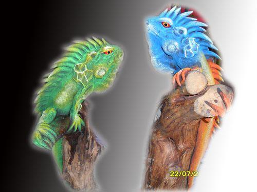 sawdust figurine iguana