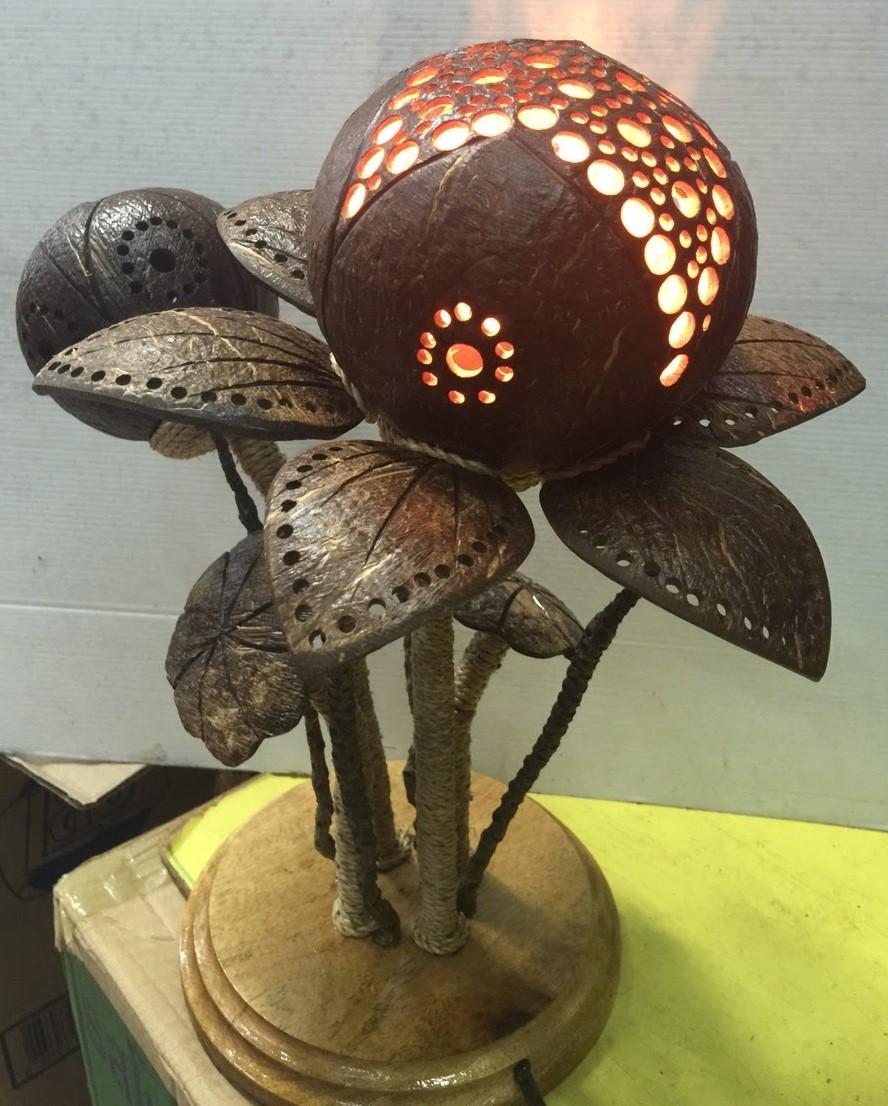 CoconutShellLamp068