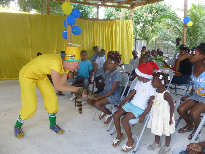 Clowns Without Borders visits Foyer Evangelique Orphanage!