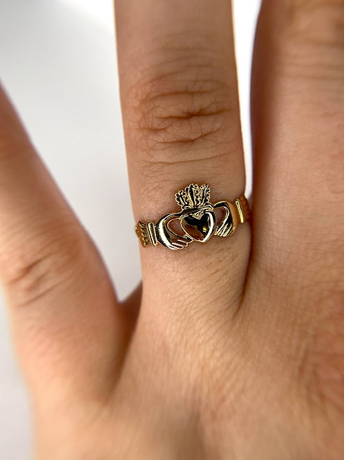 14 K Yellow Gold Claddagh Ring