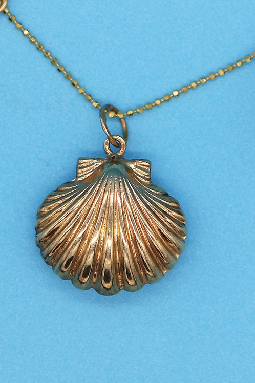 14 K Yellow Gold Shell Pendant / Charm