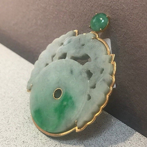 Carved Jadeite Pendant in 14K Yellow Gold