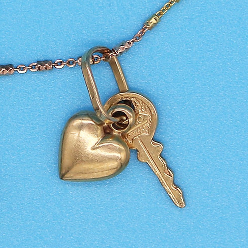 14 K Yellow Gold Heart and Key Charm