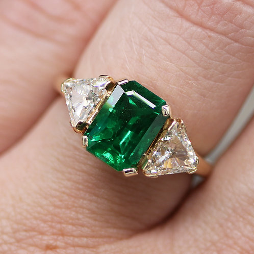 14 K Yellow Gold 2.03 Carat Emerald Ring with Triangle Diamonds