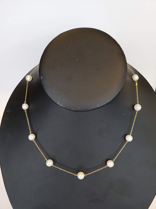 "Classy  16"" 10 Karat Yellow Gold Necklace with Pearls"