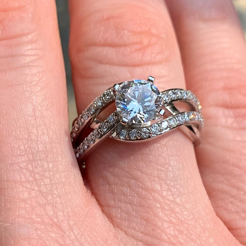 14 K White Gold Diamond Engagement Ring with layered band design