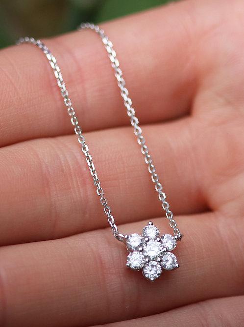 18 K White Gold Diamond Small Flower Necklace