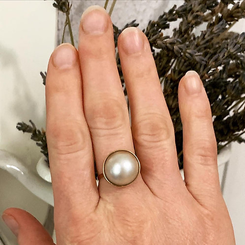 14 K Yellow Gold & Mabe Pearl Ring