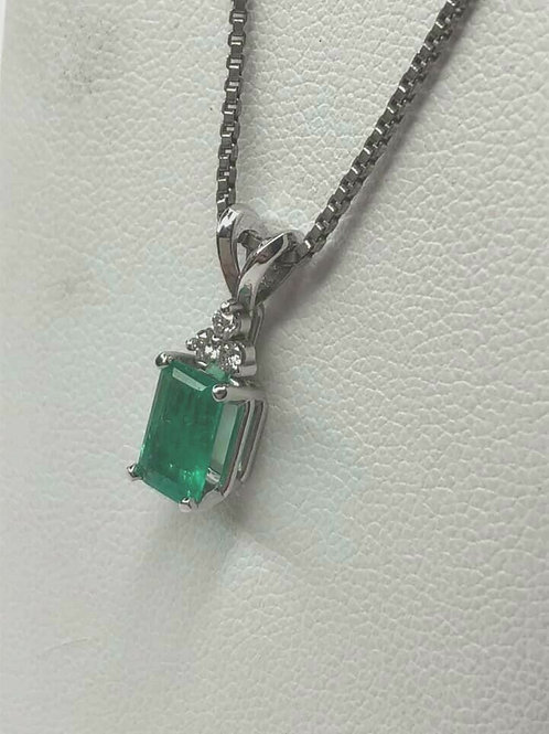 14 K White Gold on Silver Chain Fine Emerald and Diamond Necklace