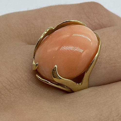 14 K Yellow Gold Pink Coral Cabochon Ring with Freeform Modern Gold Setting