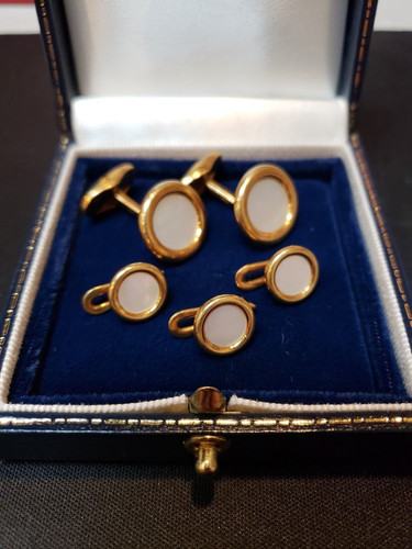 b9d3ab031 Tiffany & Co. 18k Yellow Gold Mother of Pearl Tux Cuff Link Set 27.4g