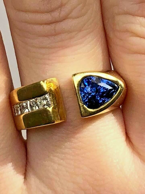 18 K Yellow Gold Sapphire Custom Ring with Diamonds, Vintage 1990s