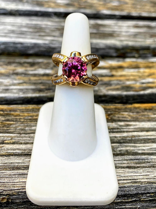 14 K Yellow Gold Pink Tourmaline & Diamond Ring with Diamond detail in center