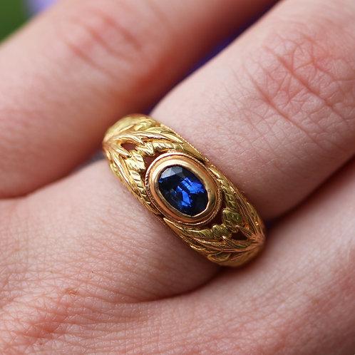 18 K Green & Yellow Gold Dark Sapphire Vintage Floral Leaf Ring