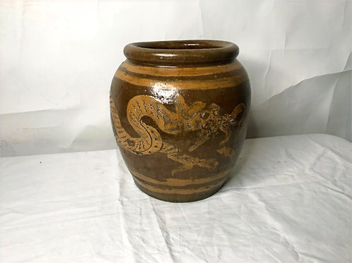 20th Century Chinese Jardiniere Pot with Drago