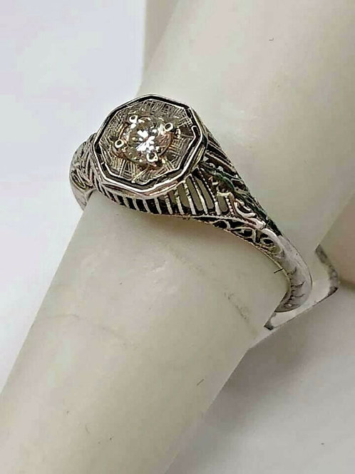 18K White Gold and Diamond Filigree Ring with Fine Engraving Authentic Art Deco