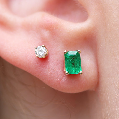 14 K Yellow Gold Emerald Cut Emerald Stud Earrings