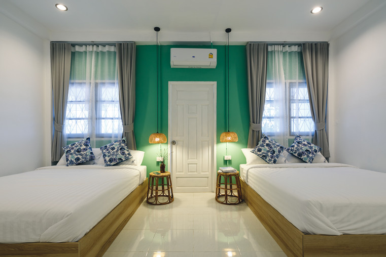 Family Suire 2-Bedroom - Master Bedroom