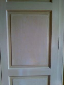 armoire cérusé et vernis coloré