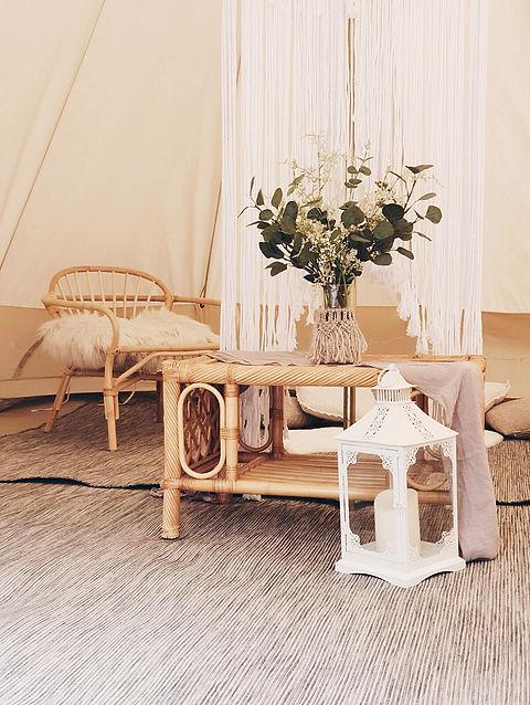 luxe lounge inside.jpeg