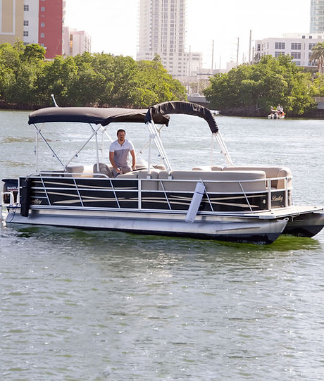 Bentley Pontoon Boat 2018.jpg