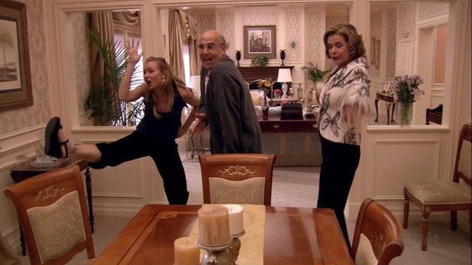 #Thirtyscenesinthirtydays: Day 20 - Arrested Development: Family Chicken Dance