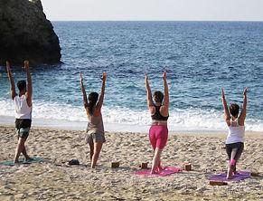 yoga_beach_§_nicol2.jpg