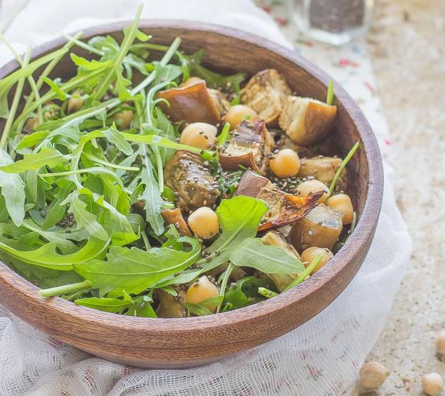 Aubergine salad and chickpeas
