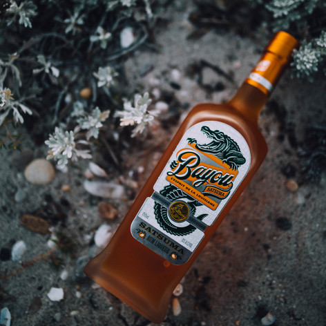 Lifestyle advertisment photo of a alcoholic beverage