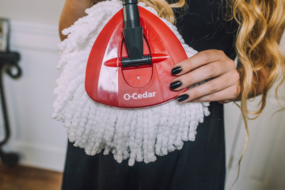Lifestyle product photo of O-Cedar mop