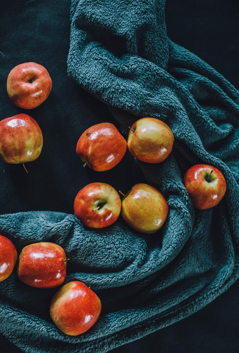 Still life food photo of apples