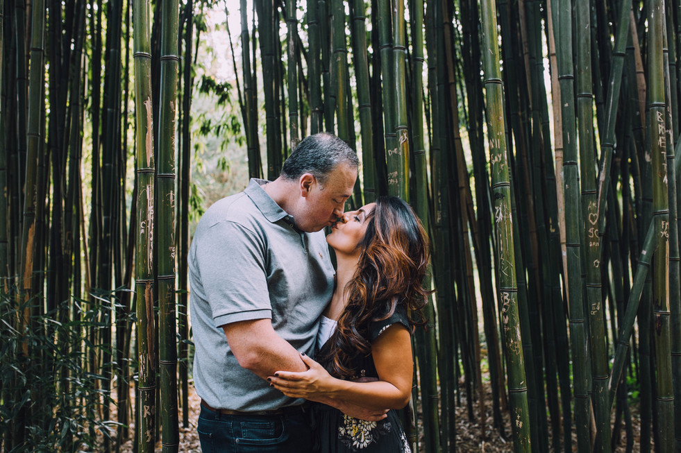 Lifestyle photo of a couple kissing